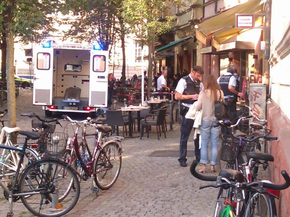 In den Cafés in der Gartenstraße war an diesem sonnigen Nachmittag viel Betrieb.  | Foto: Max Schuler