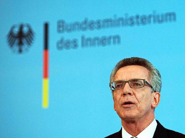 Am Sonntag verkündete Bundesinnenminister Thomas de Maiziere (CDU) gegenüber Journalisten, dass Grenzkontrollen wieder eingeführt werden.