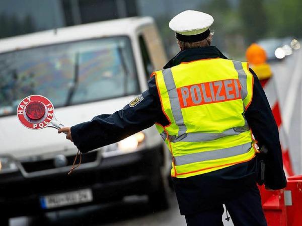 Mehrere hundert Beamte der Bundespolizei führen die Grenzkontrollen durch.