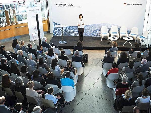 """Beim Business Talk diskutierten am Montag in Freiburg Wirtschaftsexperten darüber, inwieweit das Thema """"Frauen in Führungspositionen"""" in südbadischen Unternehmen angekommen ist und was man unternehmensstrategisch tun kann, um mehr Frauen in Spitzenpositionen zu führen."""