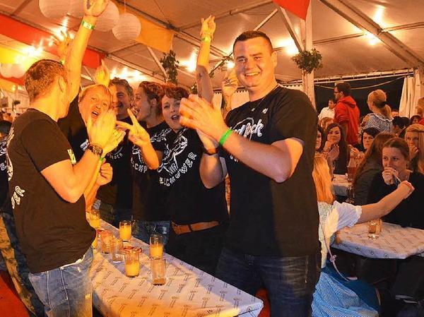 Die Stimmung stimmte von Anfang an beim Winzerfestshowabend am Samstag mit dem Musikverein Efringen-Kirchen.