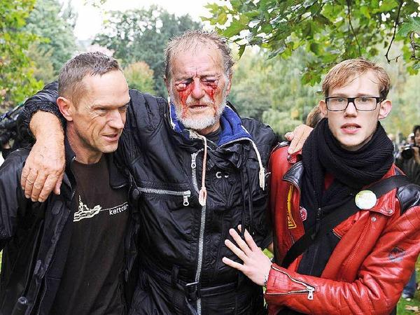 Er wurde zum Opfer der Polizeigewalt am schwarzen Donnerstag: Dietrich Wagner wurde durch die Wasserwerfer der Polizei so stark an den Augen verletzt, dass er heute fast blind ist.