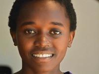 Eine junge Frau aus Uganda k�mpft f�r die Bildung