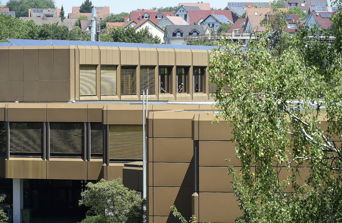 Die beruflichen Schulen in Müllheim mü...ngen ein Behelfsbau errichtet werden.   | Foto: Archiv: Volker Münch
