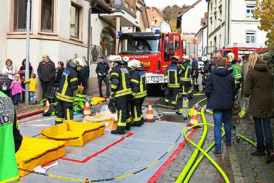 Hand in Hand arbeiteten die Rettungskräfte bei der Chilbiprobe in Bonndorf. (Foto: Erhard Morath)