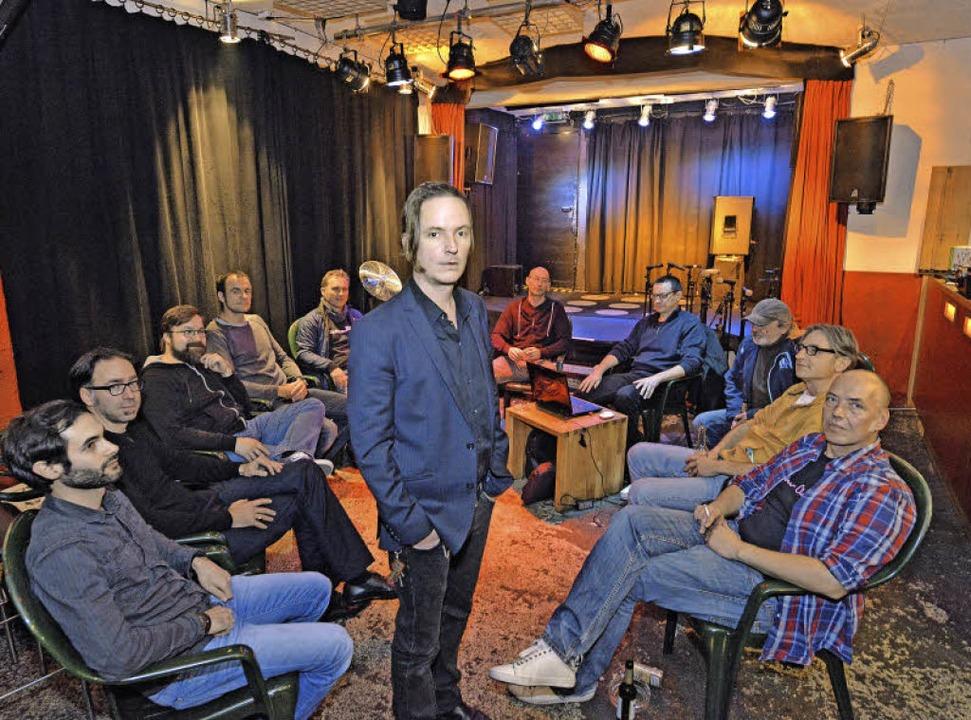 Jens Teichmann (Mitte) ist der Vorsitzende des Slow-Club-Trägervereins.  | Foto: Michael Bamberger