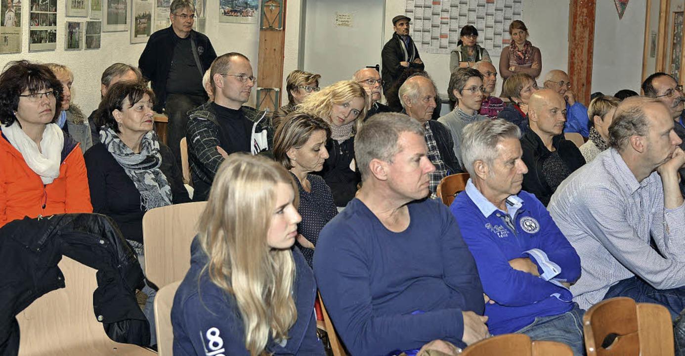Über das Projekt 2015 informierten sic...Teilnehmer aus den Abteilungen des TV.  | Foto: Martin Eckert