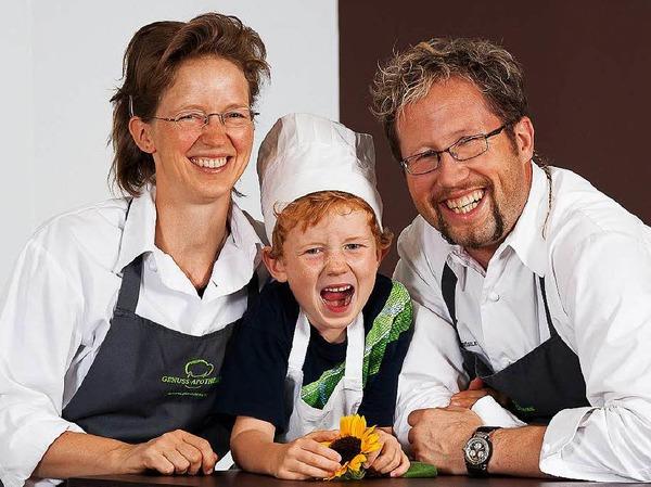 """Neuer Michelin-Stern für Bad Säckingen: Raimar Pilz und Annett Ronneberger (auf diesem Archivbild von 2013 mit Sohn Arne) überzeugten die Juroren in ihrem Restaurant """"Freigeist"""" in der Genuss-Apotheke."""