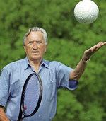 Erfinder eines Handball-Tricks wird 95 Jahre alt