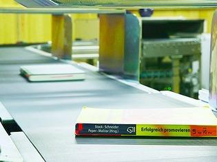 Freiburg: So werden B�cher in der neuen Universit�tsbibliothek sortiert