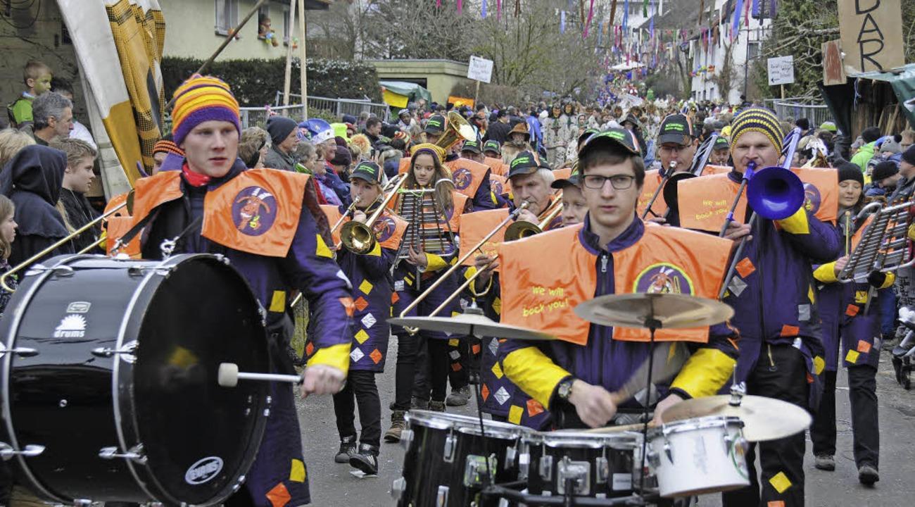 Die Geißen-Guggis, die Musikabteilung ...5. Kleggau-Narrentreffen in Weizen an.    Foto: Noeske