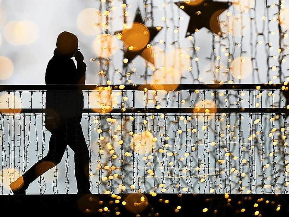 Weihnachtszeit ist Einkaufszeit.   | Foto: DPA