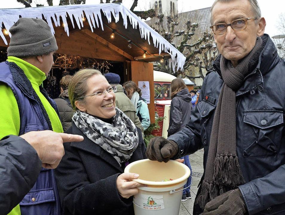 Im gemeinsamen Hilfseinsatz: Bürgermei...Bundestagsabgeordneter Armin Schuster   | Foto: Ingrid Böhm-Jacob