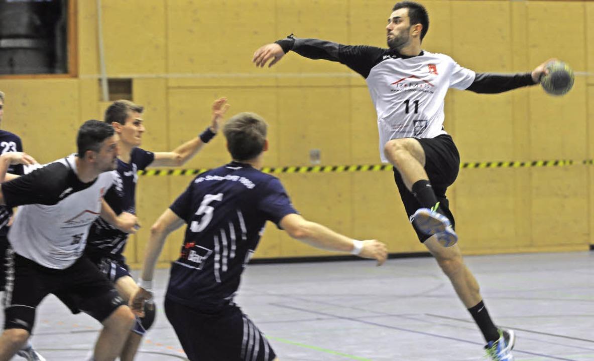Adrian Ciaca vom TV Brombach bei einem...mbach gegen die SG Schramberg/Sulgen.   | Foto: Meinrad Schön
