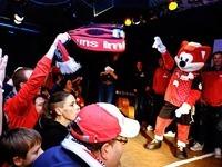 Fotos: Fans und Spieler des SC Freiburg feiern Weihnachten