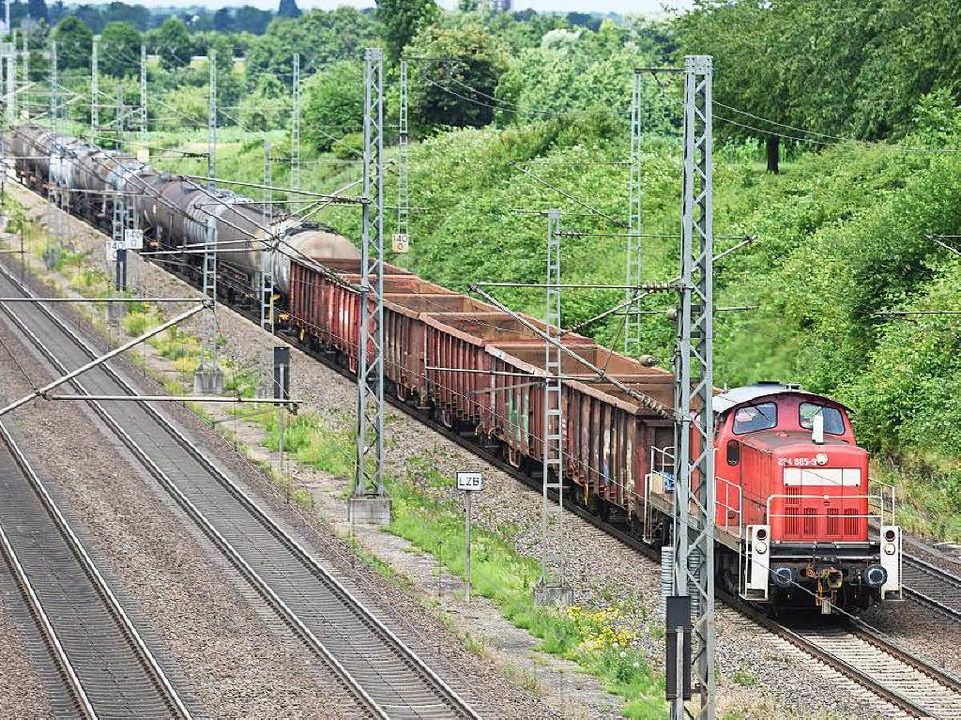 Güterzug bei Offenburg: Ist der viergl...lbahn  erneut grundsätzlich gefährdet?  | Foto: dpa