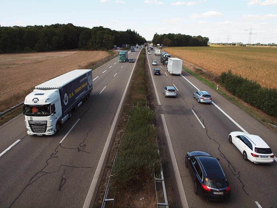Die A 5 zwischen Riegel und Kenzingen  | Foto: Michael Haberer