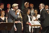 Geburtstagsgala im ausverkauften Konzerthaus: das Jubiläumskonzert des Jazzchors Freiburg