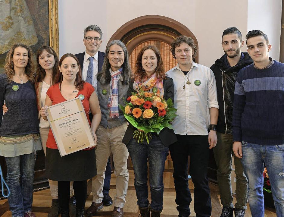 Die Flüchtlingshilfe Freiburg erhielt ...omon den Integrationspreis der Stadt.   | Foto: Rita Eggstein