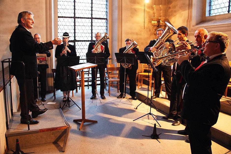 Die Bläsergruppe der Trachtenkapelle Glottertal spielte auf der Empore. (Foto: Gerda Oswald)
