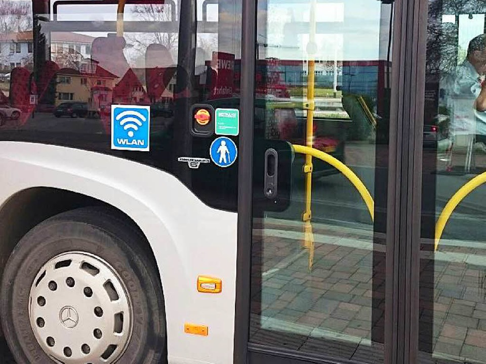 Ein Tuniberg-Express-Bus mit Gratis-WLAN    Foto: Julius Steckmeister