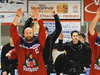W�lfe gewinnen daheim 4:2 gegen die Dresdner Eisl�wen