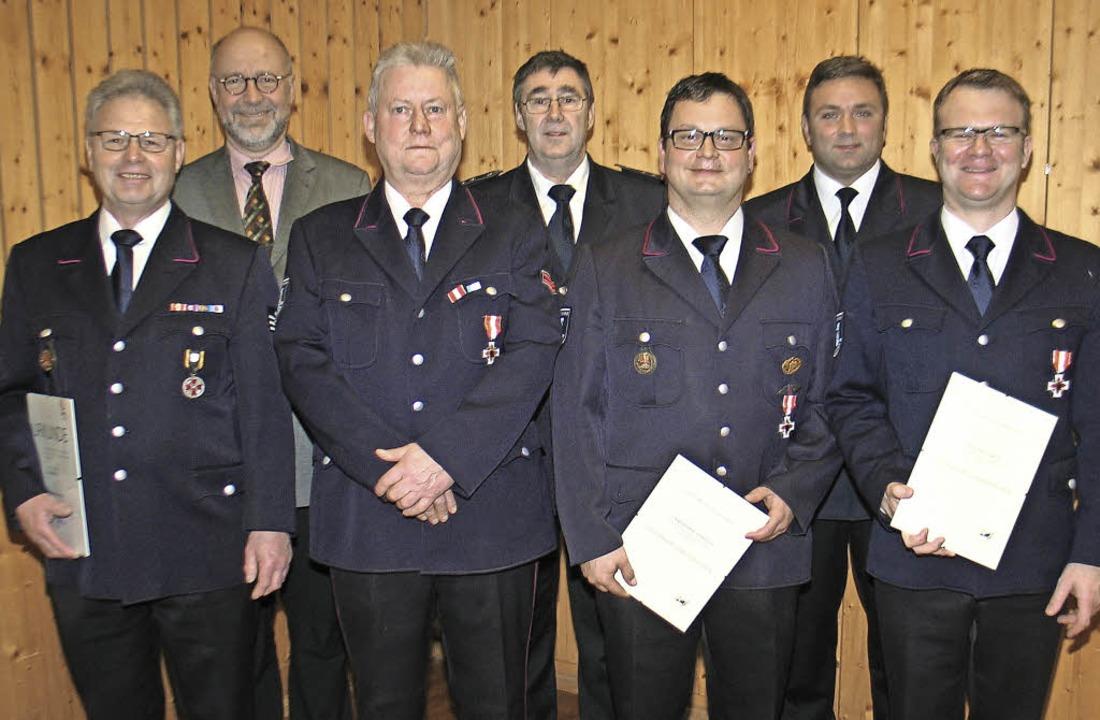 Ehrungen des Landes und des Feuerwehrv... Christian Burkhard und Matthias Ruh.   | Foto: Hassler