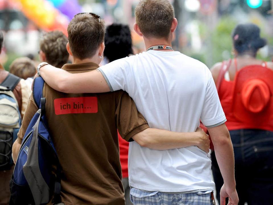 In Freiburg werden Schwule des Öfteren angepöbelt.  | Foto: dpa