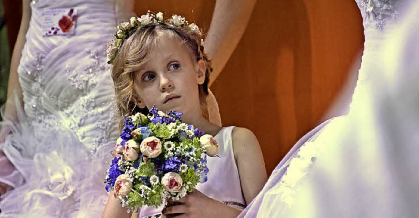 Auch für die Brautjungfern gab es modische Tipps.   | Foto: Michael Bamberger