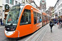 Stra�enbahnen in Freiburg sind seit fast 100 Jahren mobile Werbefl�chen
