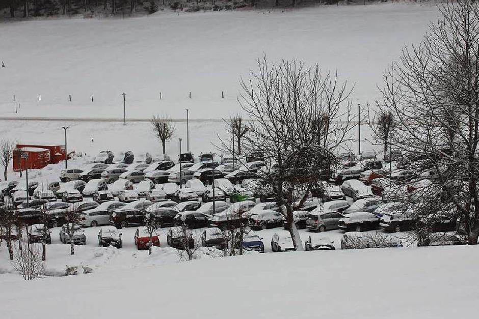 Weiße Schneemassen in Eisenbach – wer weiß, wie viel noch kommt? (Foto: Gert Brichta)