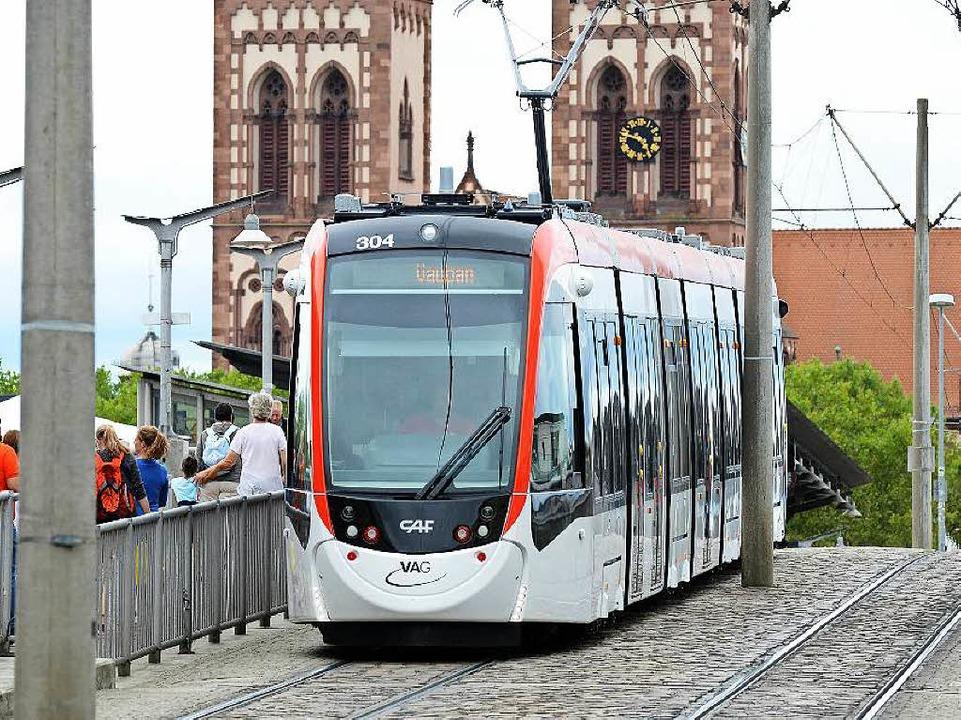 Urbos, die neue Straßenbahn  | Foto: Rita Eggstein