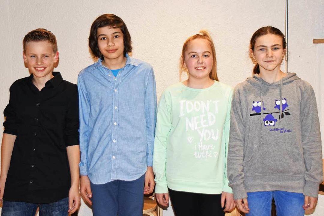 Finn Dallügge, Enrico Margarjan, Ronja...llgaier freuen sich auf den Wettbewerb  | Foto: Sarah Nöltner
