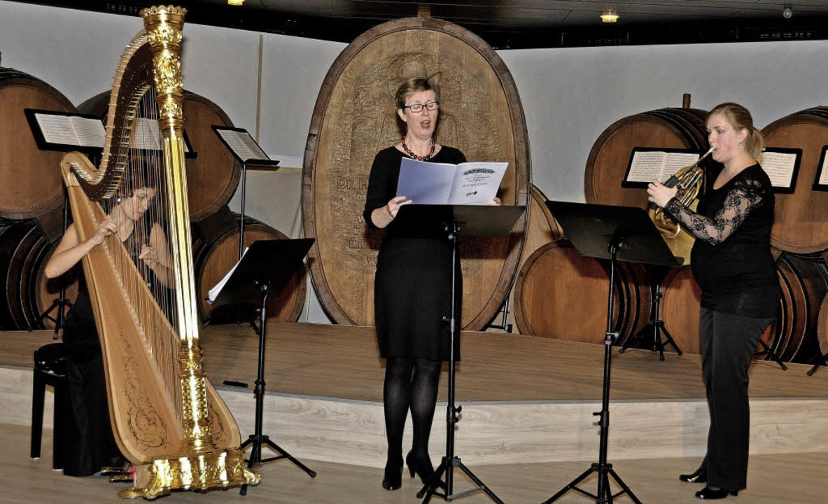 Die Hornistin Hanna Grom begleitete di...jakob-Hof des Badischen Winzerkellers.  | Foto: Kai Kricheldorff