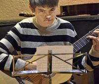 Vielseitiges Konzert junger Gitarristen