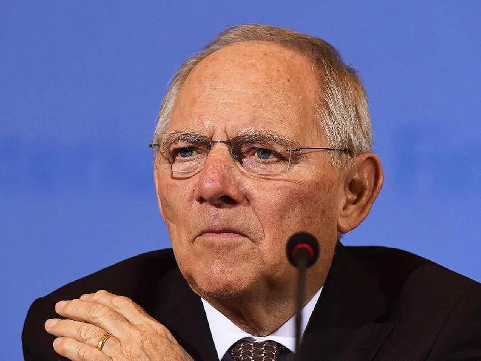 Sieht keinen Grund, am Bundeshaushalt ...nachzubessern: Finanzminister Schäuble  | Foto: Christian Schroth
