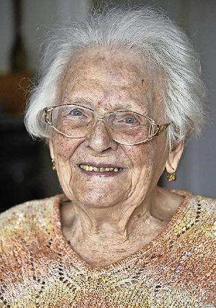 elisabeth trisch aus freiburg wird heute 100 jahre alt. Black Bedroom Furniture Sets. Home Design Ideas