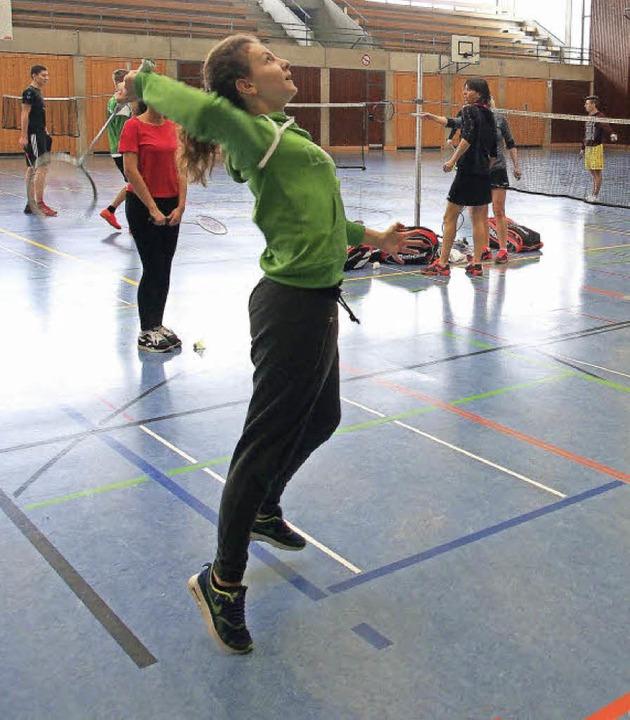 Schnell entdeckten die Schüler des Geo...selbst die Freude am Badminton-Spiel.   | Foto: Fotos: Boris Burkhardt