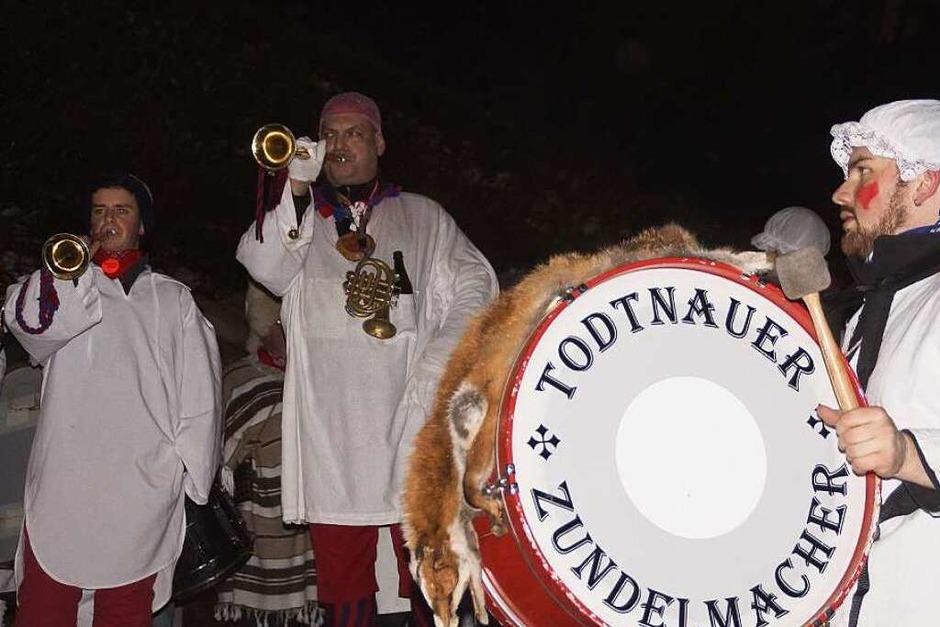 Der Fanfarenzug der Todtnauer Zundelmacher bei seinem Glunki-Konzert. (Foto: Verena Wehrle)