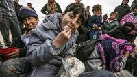 Fl�chtlinge verharren im Matsch
