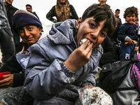 Syrisch-t�rkische Grenze: 50.000 Menschen warten