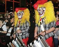 Schreck f�r Musiker: Maske und Trommel weg