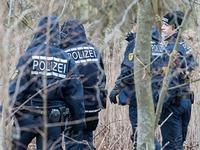 Gewaltverbrechen: 20-J�hrige tot auf Waldweg gefunden
