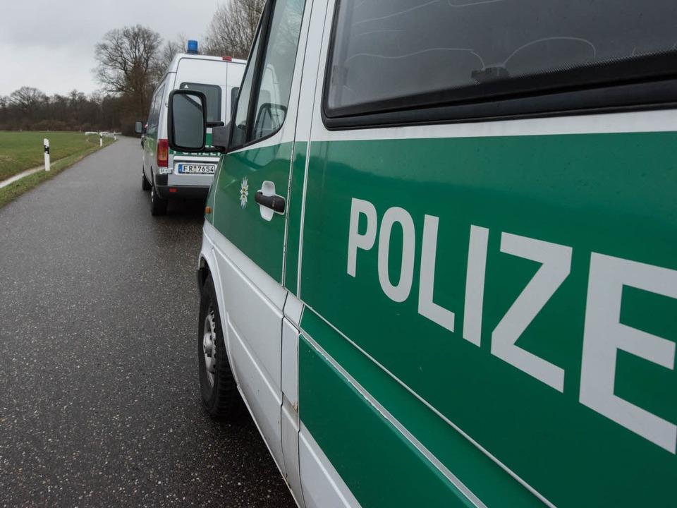 Polizeiarbeit in der nordwestlichen Or...oßaufgebot zwischen Wilstätt und Kehl.  | Foto: dpa