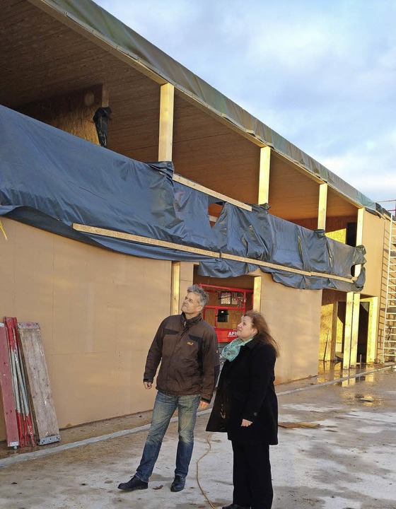 Sturmschäden: Bürgermeisterkandidat Gu...un und Ortsvorsteherin Kaiser-Bühler.     Foto: ZVG