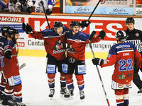 Heimspiel: W�lfe gewinnen 3:2 gegen Kassel Huskies