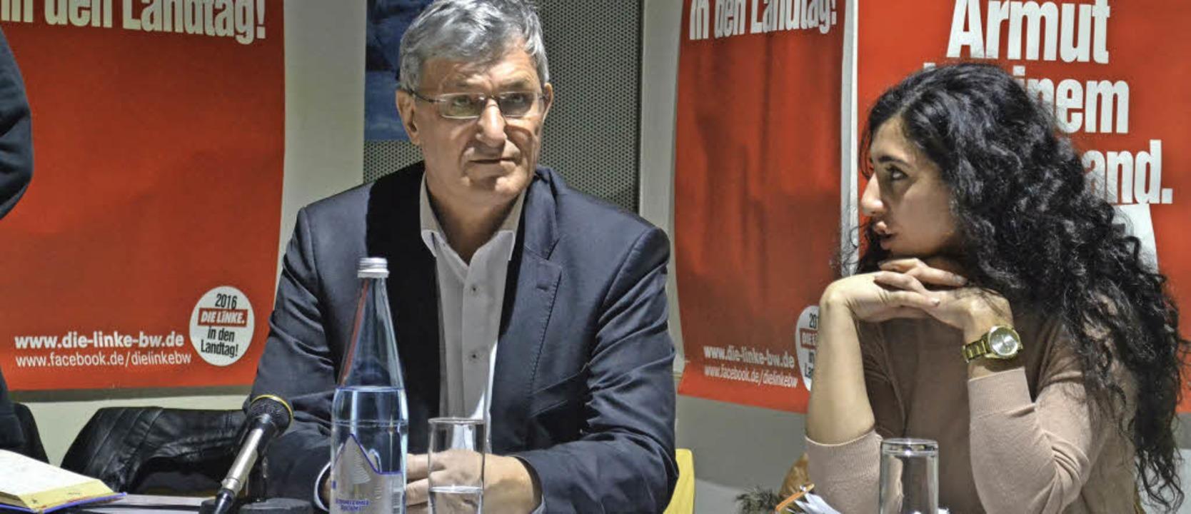 Linke-Chef Bernd  Riexinger und Rausan Öger, Kandidatin für den Wahlkreis Kehl     Foto: Harald Rudolf