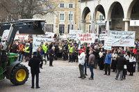 230 Markgr�fler demonstrieren in Stuttgart