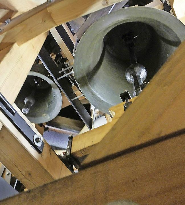douglasienholz foto bruno morath in einem halzernen glockenstuhl hangenckenstuhl erbat pfarrer michael hipp douglasie behandeln oder nicht