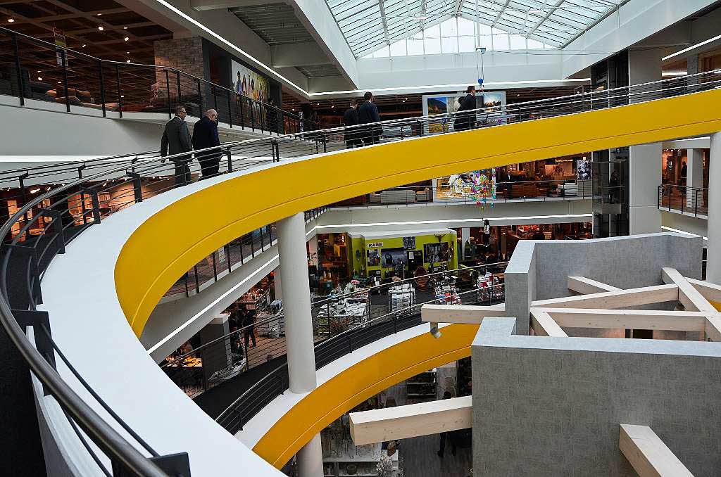 m bel braun er ffnet filiale in offenburg 50 millionen euro investiert offenburg badische. Black Bedroom Furniture Sets. Home Design Ideas